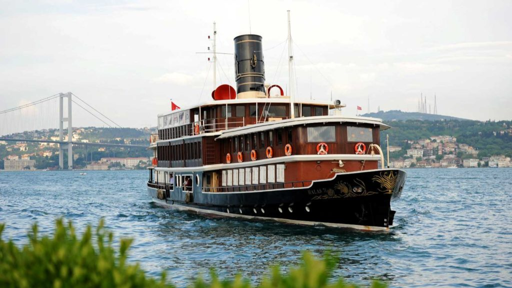 Halas 71 • Classic Luxury Cruiser